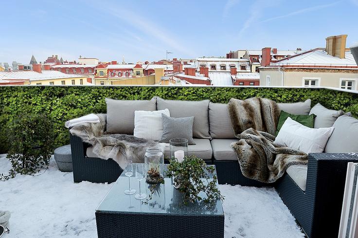 Een Winters Balkon : Dankzij balkonafscheiding.nl blijft je balkon ook in de winter groen