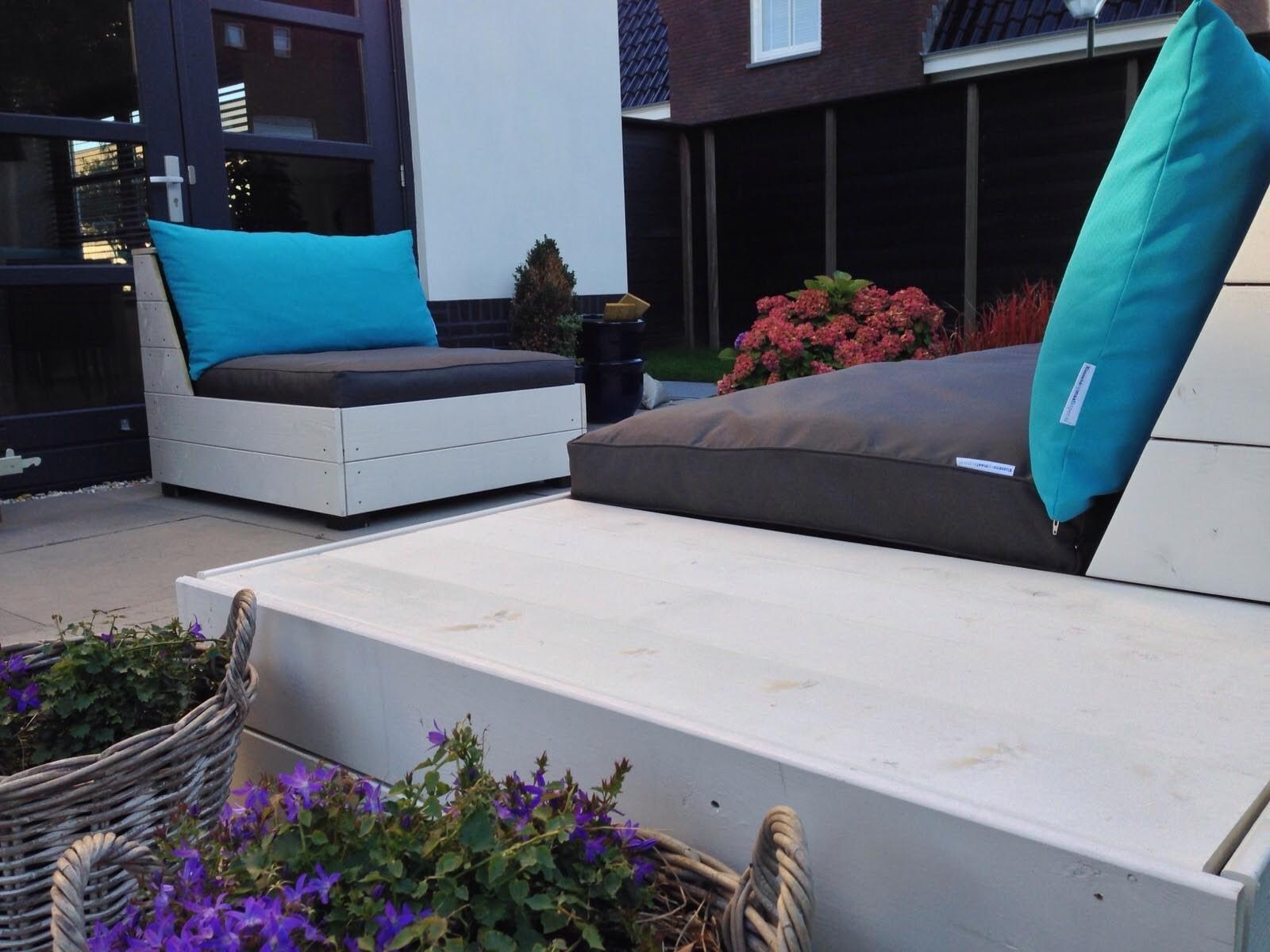 Kussens op maat voor op eigen meubels van houten pallets   Sfeer en Living