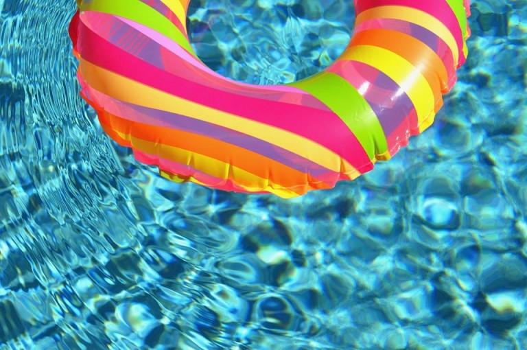 Zo zet je een zwembad op