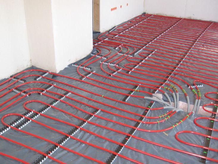 Bij welke soorten vloeren haal je het meest uit je vloerverwarming en bij welke juist niet?