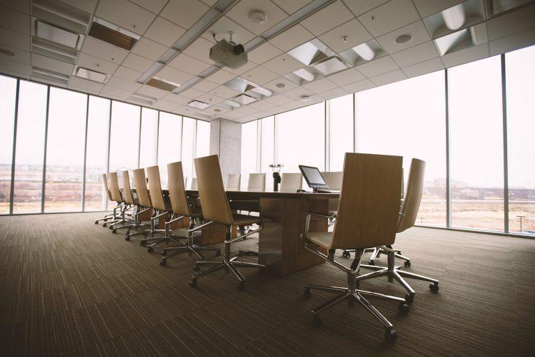 De akoestische scheidingswand, een must voor elk kantoor