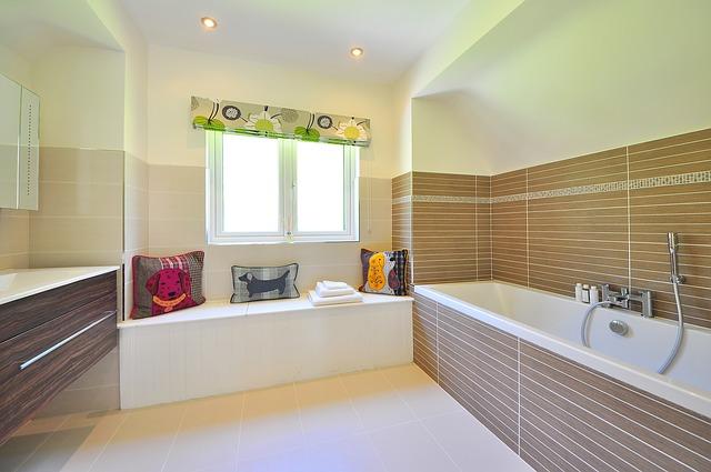 Glasvlies Behang Badkamer : Inspiratietips voor een nieuwe badkamer sfeer en living