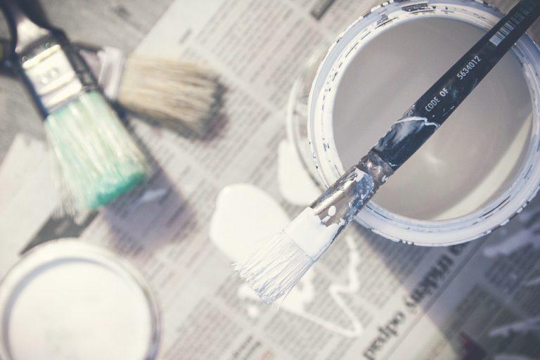 Een schilder inhuren of liever zelf schilderen?
