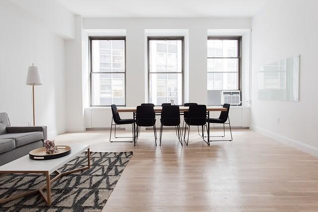 Design stoelen in huis; onze kleurentips!