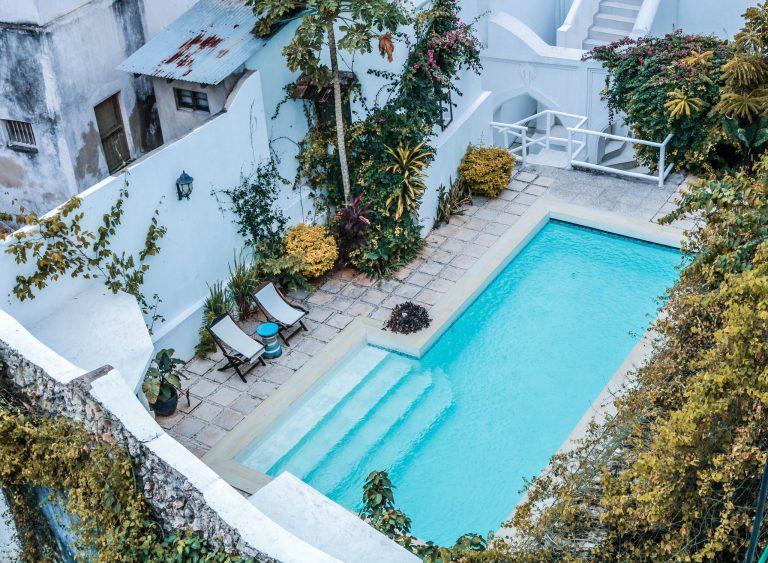 Zwembad in de tuin laten aanleggen? Dit zijn de mogelijkheden