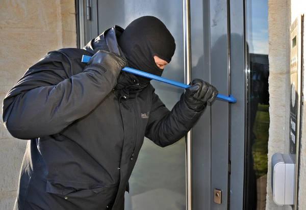 Houdt indringers buiten de deur
